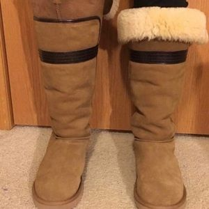 New Authentic Genevieve Uggs with cleaning kit!